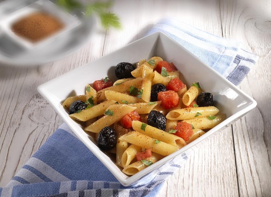 penne-bottarga-pomodori-olive